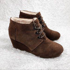 Toms Brown Leather Wedge with Soft Lining